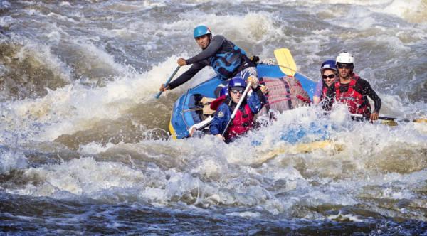 Image of paddle raft in Jailhouse Rock rapid on the Karnali River, Nepal